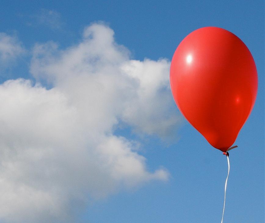 Как завязать воздушный шарик, чтобы он не сдувался